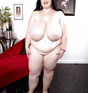 Brunette SSBBW Alyson Galen unleashing massive saggy hooters