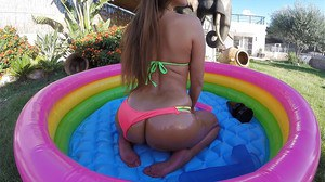 Latina solo girl offers up big booty for hardcore ass fucking outdoors