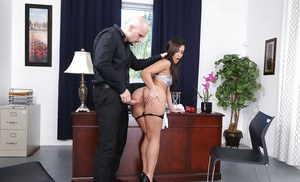 Brunette secretary Kelsi Monroe sheds skirt before hardcore sex in office