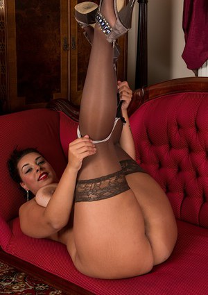 Overweight brunette mom Anastasia Lux baring big breasts in stockings
