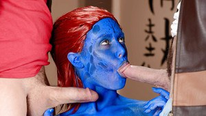 Cosplay outfit attired redhead pornstar Nicole Aniston give MMF blowjobs