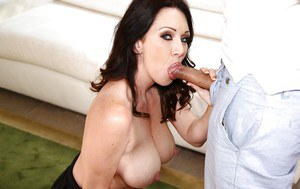 Brunette mom lets big natural cougar fall loose before giving bj