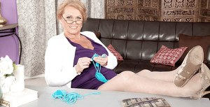 Glasses wearing mature dame unveiling large saggy tits and hairy snatch