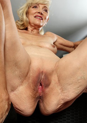 Beautiful shaved mature old pussy beautiful