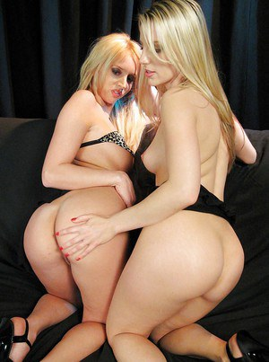 Amateur moms Ashley Fires and Kelly Wells make lesbian pornstar debut