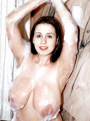 Euro first timer Nicole Peters flaunting huge wet tits in bathtub