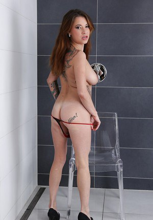 European solo girl Brandy Lee free big tits in shower before peeing herself