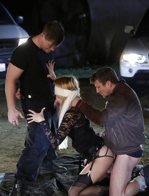 Blindfolded MILF fetish pornstar Jessica Drake taking gangbang outdoors