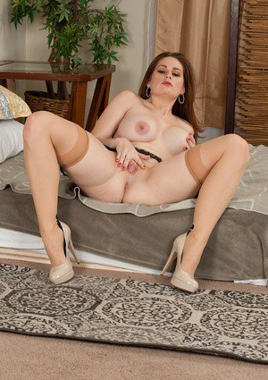 Busty fatty Allison Moore spreading labia lips in stockings and high heels
