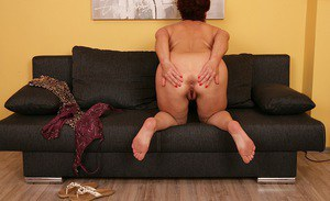 Older plumper Jesica Hot revealing big natural tits and butt