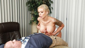 European MILF Nina Elle freeing large tits before facesitting man in office