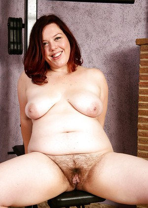 Mature BBW ridding yoga pants and underwear for hairy pussy exposure