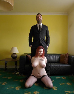 Stocking clad amateur plumper Summer Angel Lee baring big tits and tattoos