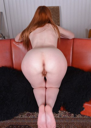 Redhead babe Marie McCray unveiling hairy MILF pussy after panty removal