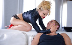 Pornstar Staci Carr giving BJ before banging of shaved snatch from big cock