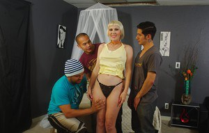 Blonde gangbang queen Dalny Marga feeling hot sperm land on face and ass