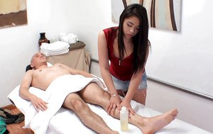 Oriental masseuse Drea Diamond riding cock before happy ending handjob