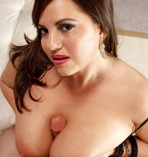 Fat MILF Melonie Maxxx giving ball sac licking blowjob to large penis