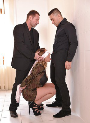 Euro chick Victoria Summers gives oral sex with hands tied and blindfold on
