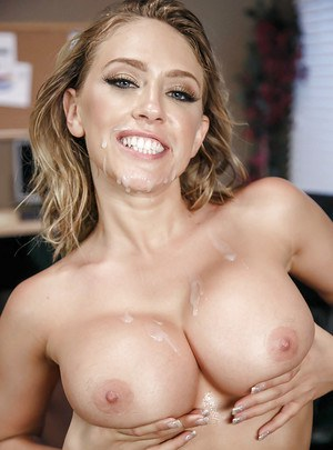 Pornstar Kagney Linn Karter unveiling nice melons before giving office BJ