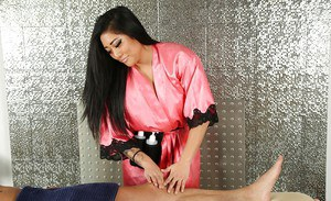 Tattooed Asian masseuse Mei Li gives BJ in 69 position during cunt eating