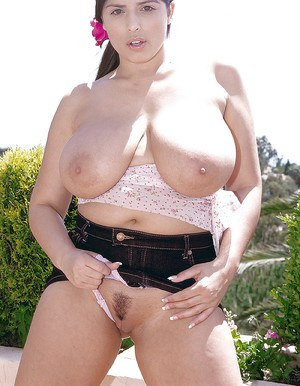 Euro chubby Kerry Marie unleashing huge all natural tits in pornstar debut