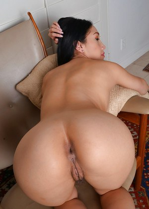 Latina mom Vicki Chase revealing sexy thong covered ass and pink snatch