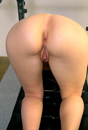 Asian amateur Maria revealing her shaved vagina in locker room