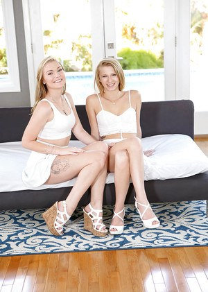 Blonde lesbians Cassidy Ryan and Moriah Tyler stack asses and twats