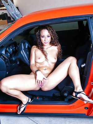 Right Naked girl inside the car sorry