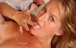 Older woman Vickie eating jizz after banging of hairy twat and oral sex
