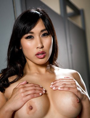 Asian pornstar Mia Li frees big boobs from bra before masturbating in washroom