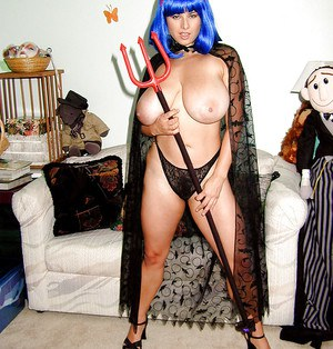 MILF plumper Chloe Vevrier flaunting monster tits in cosplay outfit