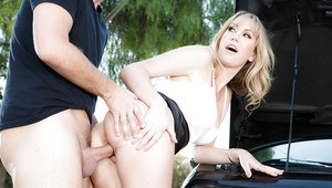 Blonde wife Brett Rossi having tight MILF pussy penetrated outdoors by car