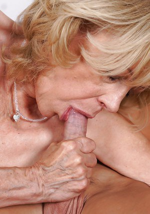 Old blonde with saggy tits Szuzanne sucks young dick and gets cumshot on face
