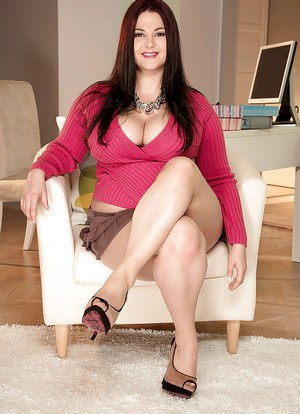 European fatty in red dress Ann Calis shows really sexy upskirts