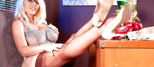 Stunning blonde MILF in heels Charlee Chase performs a cute foot fetish play