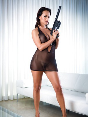 Latina MILF pornstar Franceska Jaimes puts gun down before stripping naked