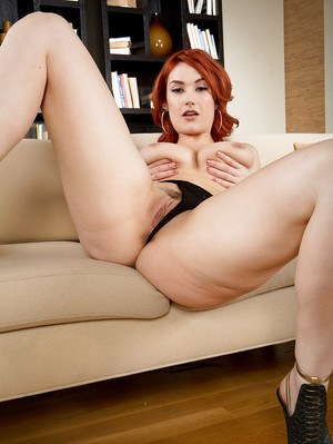 Redhead housewife Siri letting nice melons fall free from red dress