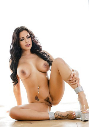 Top brunette with huge boobs Molly Mae reveals her fine assets on cam