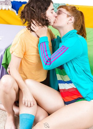 Yara and Livia V enjoying raw lesbian moments in their amateur special show