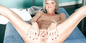 Cheyanne doffs tennis clothes before stretching pierced granny cunt wide open