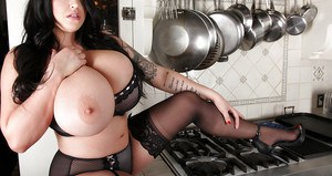 Brunette with huge tits Leanne Crow wants to take down the lingerie