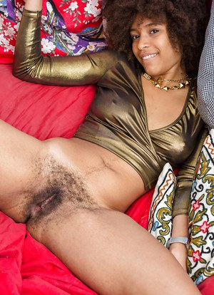 Black girl Whitney taking off her clothes to model naked for first timer