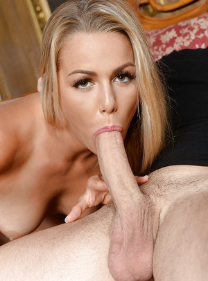 Blonde goddess Christen Courtney sucks the cock in heavy modes