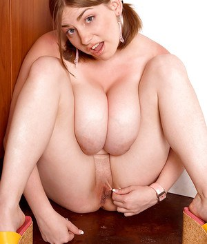 Sweet amateur with amazing boobs Christy Marks lovely toy porn in solo