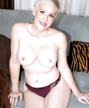 Slutty mature Kimber Phoenix provides amazing nudity details