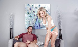 Big boobed blonde Jessa Rhodes sporting creampie after banging large dick