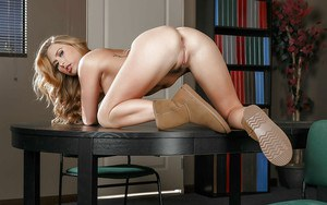 Clothed coed Carter Cruise removing yoga pants to model naked in library