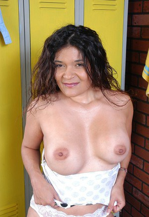 Chubby older woman Sophia showing off hairless snatch in locker room